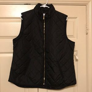NWT Old Navy Women's Black Puffer Vest